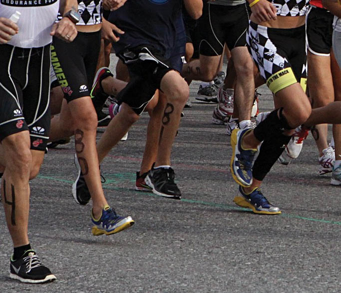 runners running in a 5k