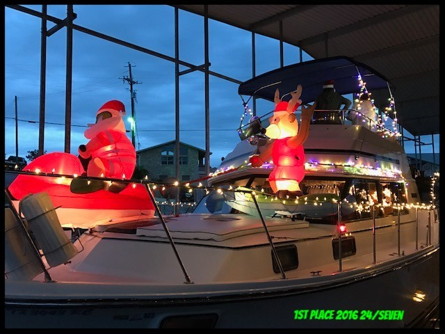 Bluff Creek Marina 2nd Annual Lighted Boat Parade boat winner